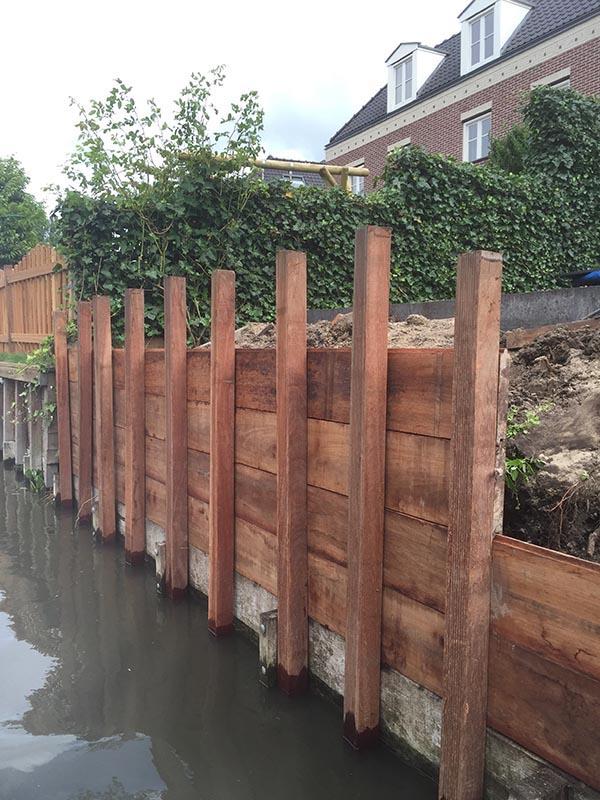 Hardhouten damwand met een overhangend terras van Keramische tegels - 9 van 20
