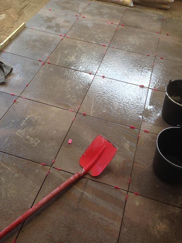 Keramische tegels in patio - 2 van 7