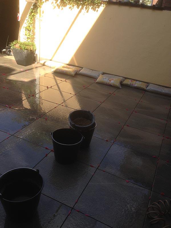 Keramische tegels in patio - 5 van 7