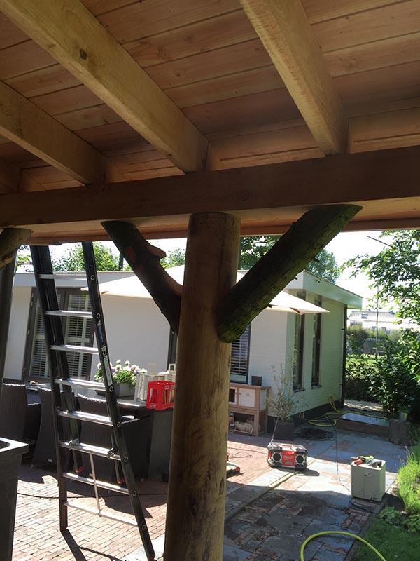 Natuurlijke overkapping van Kastanjehout en Douglas hout  - 20 van 37