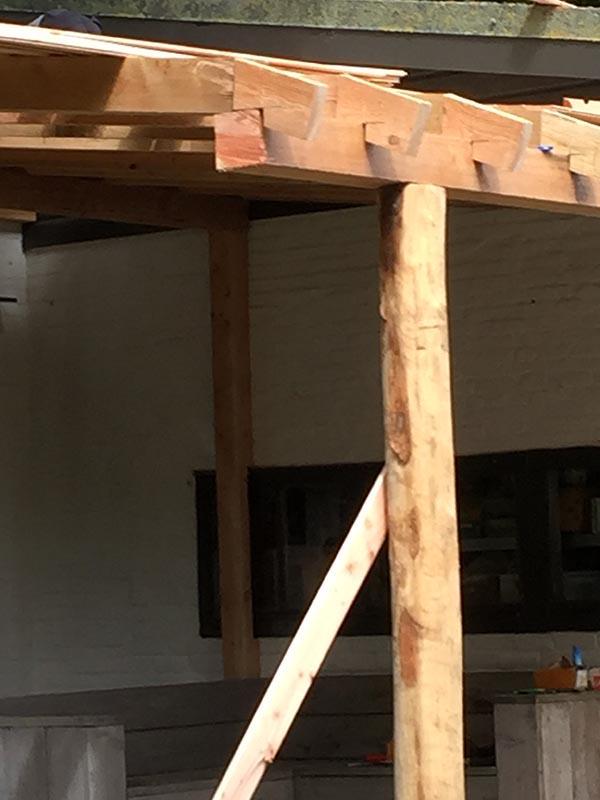 Natuurlijke overkapping van Kastanjehout en Douglas hout  - 4 van 37