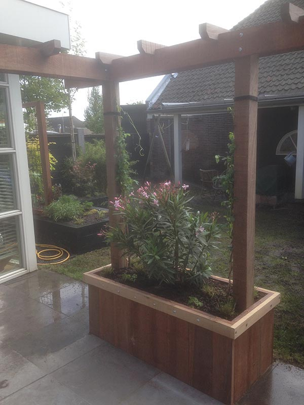 Renovatie van delen achtertuin Beverwijk - 2 van 9