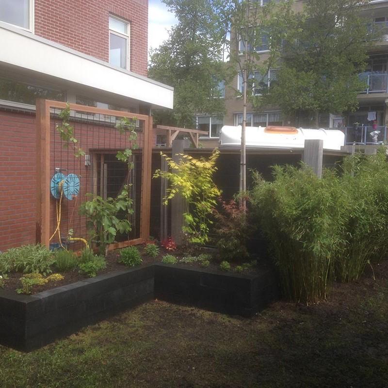 Renovatie van delen achtertuin Beverwijk
